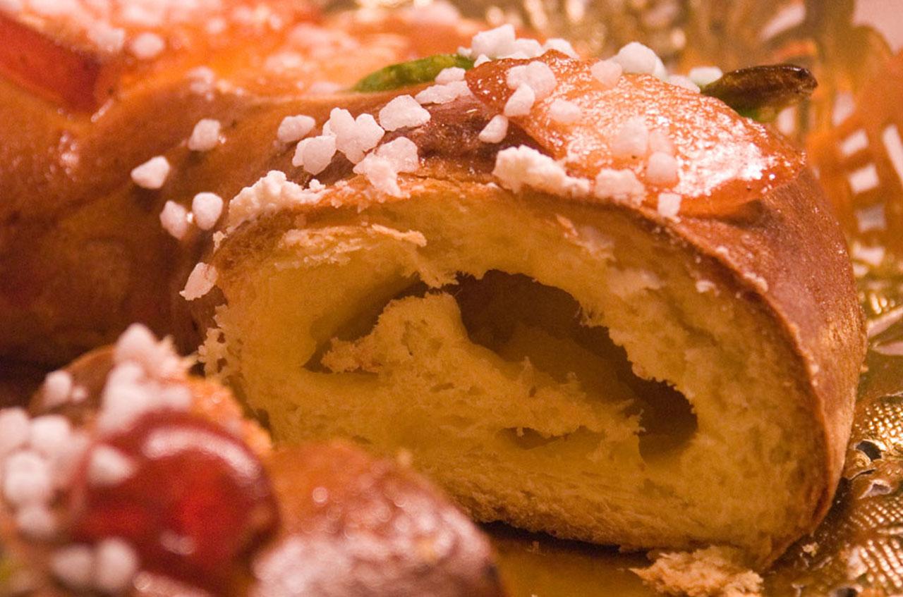 Roscon de Reyes - traditional Spanish cake at Christmas
